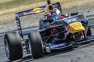 Formulewagens: overig Raceverslag TRS Ruapuna: Verschoor pakt leiding in het klassement
