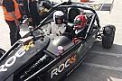 Geral Castroneves mostra habilidade em carro da Race of Champions