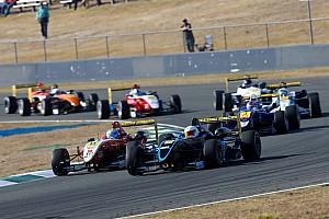 Другие Формулы Новость В Австралии формульный чемпионат закрылся, не успев начаться