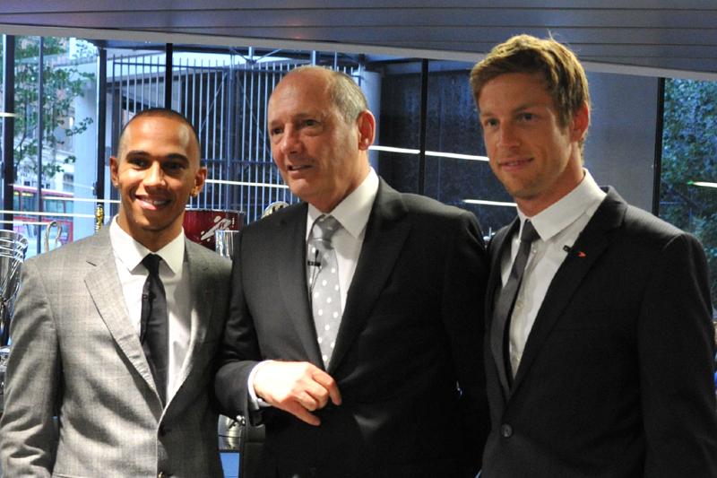 Hamilton, Dennis e Button