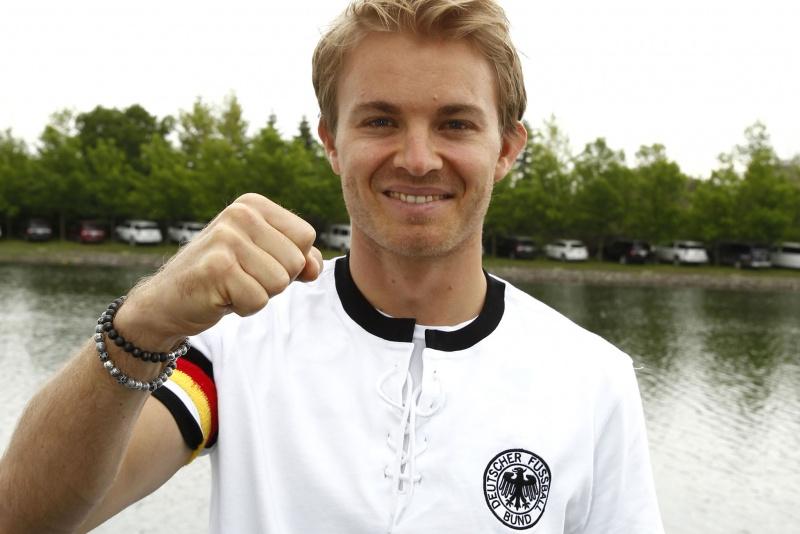 Nico Rosberg é um dos poucos pilotos do grid fanático por futebol