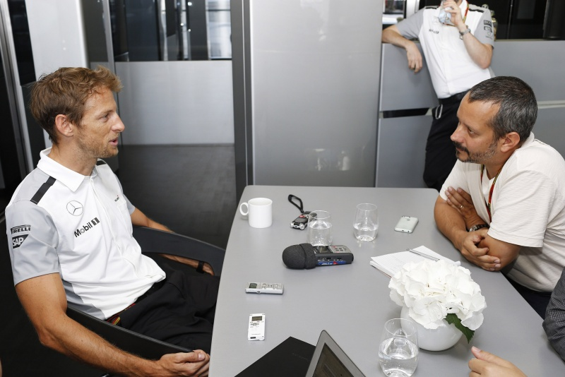 Button viveu em 2009 o calor de uma briga interna pelo título, mas vê diferenças