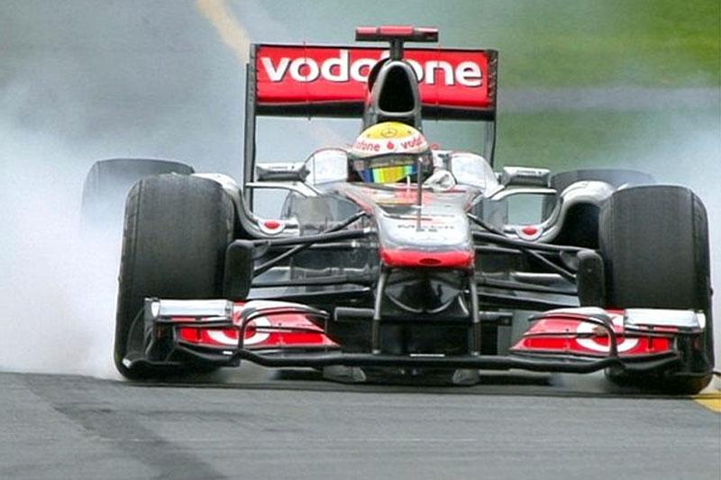 Hamilton trava tudo em Melbourne: McLaren ditou ritmo na segunda sessão