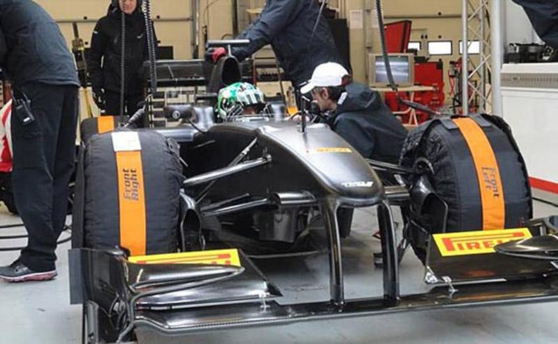 Di Grassi durante teste com a Pirelli