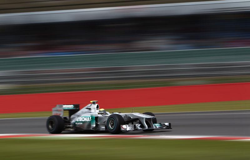 Rosberg acredita que Mercedes é melhor no molhado