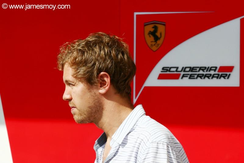 Vettel guiou pela primeira vez um carro da Ferrari neste sábado