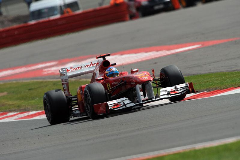 Alonso larga em terceiro no GP da Grã-Bretanha