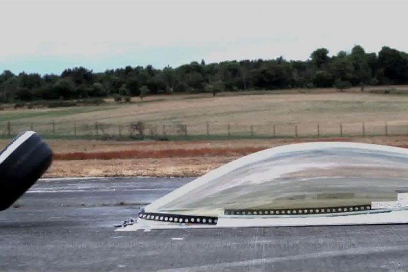 Cobertura do cockpit testada pela FIA