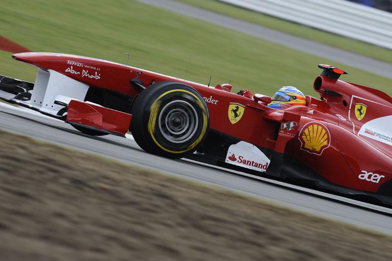 Alonso foi três décimos mais rápido que a concorrência