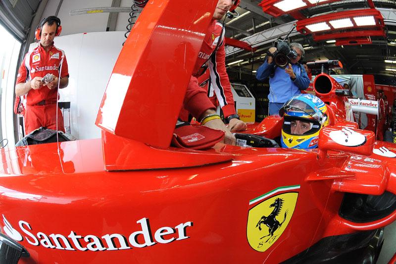Alonso esteve no pódio pela terceira corrida em sequência