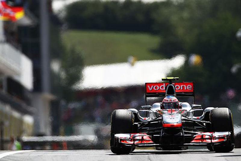 Button larga em terceiro na Hungria