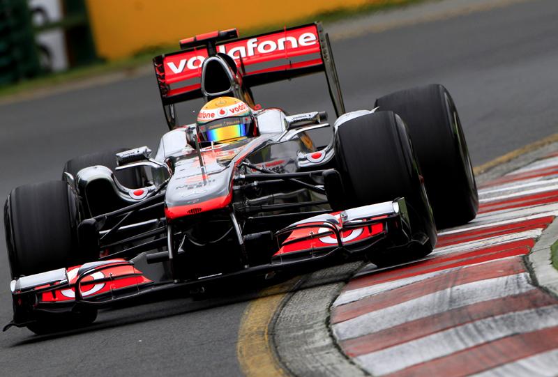 Hamilton: problema no assoalho o impediu de alcançar Vettel
