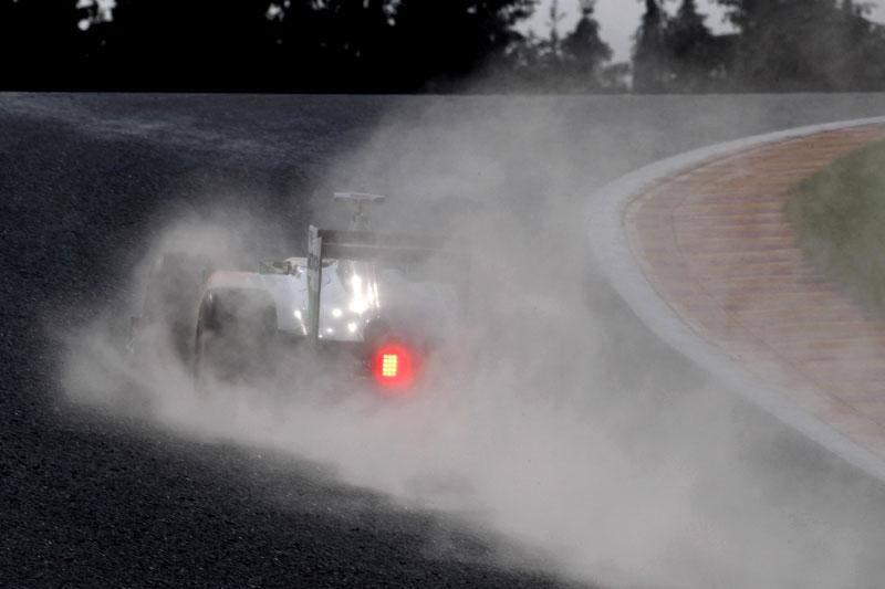 Qual dos dois pilotos da Sauber é retratado nesta foto?