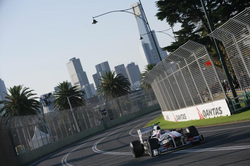 Sergio Perez foi desclassificado depois de marcar pontos em sua estreia