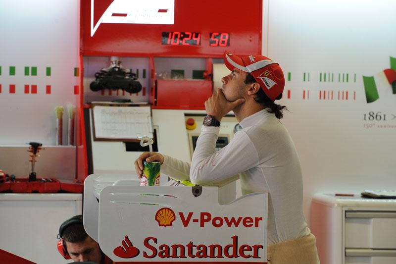 Depois da decepção de 2008, Massa ainda teve de largar em último em 2010 por problema no sábado