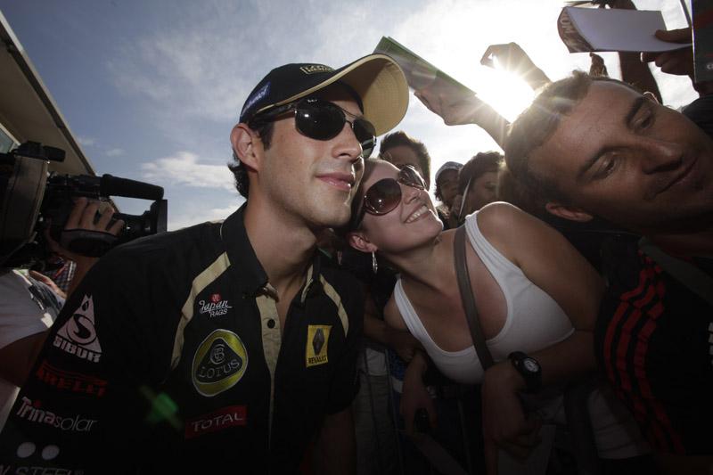 Bruno Senna faz sua terceira corrida pela Renault