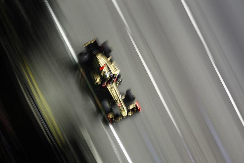 Senna larga em 15º em Cingapura