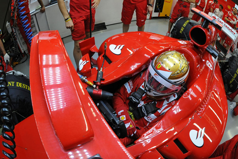 Alonso tem de chegar no pódio para adiar título de Vettel