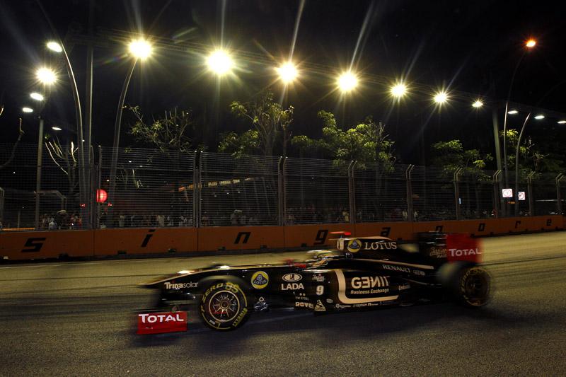 Bruno Senna foi o 15º em Cingapura