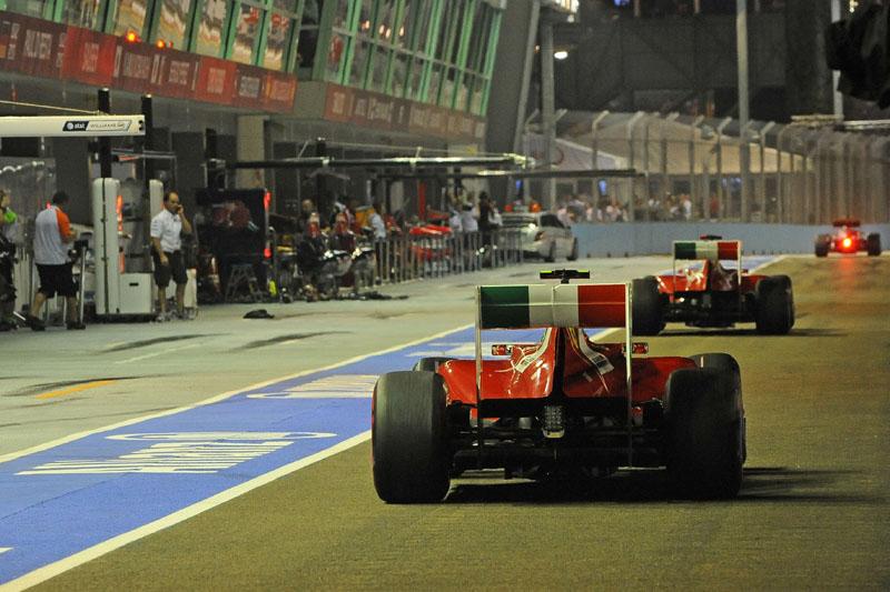 A Ferrari tinha tudo para andar bem em Cingapura