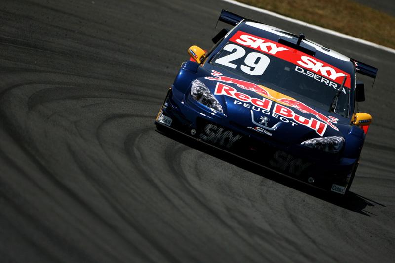 Daniel Serra, o mais rápido da sexta (Bruno Terena/Red Bull)