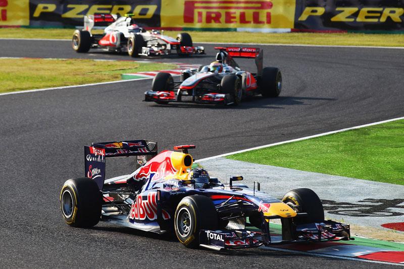 Vettel chegou a pular na ponta na prova