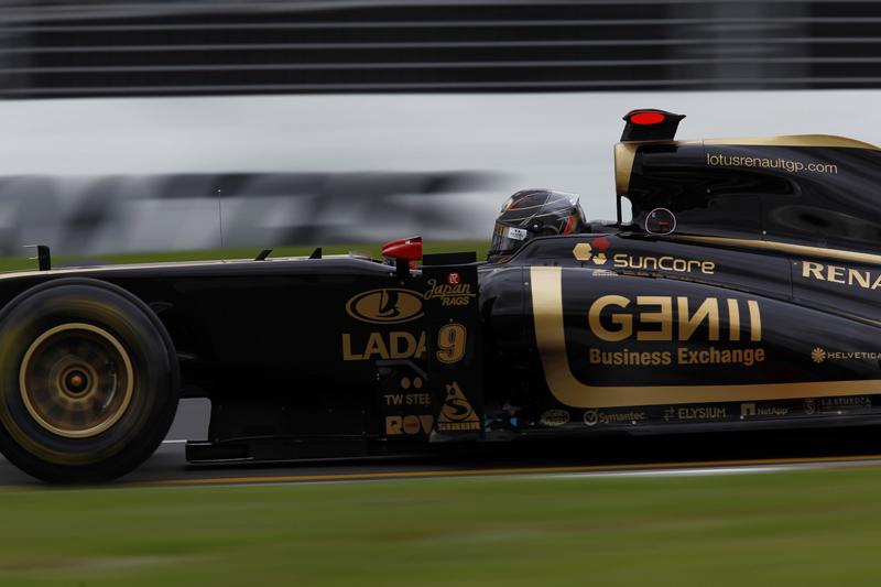 Renault folheada a ouro? Só se for 1º de abril