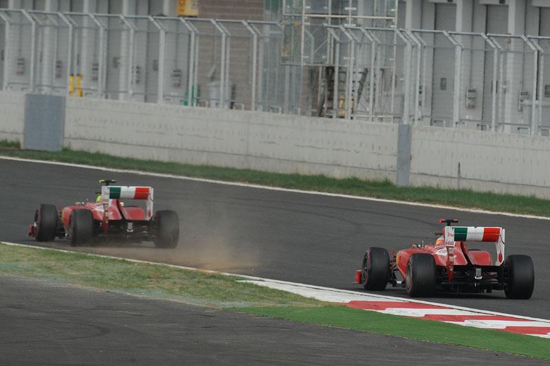 Alonso persegue Massa durante o GP da Coreia