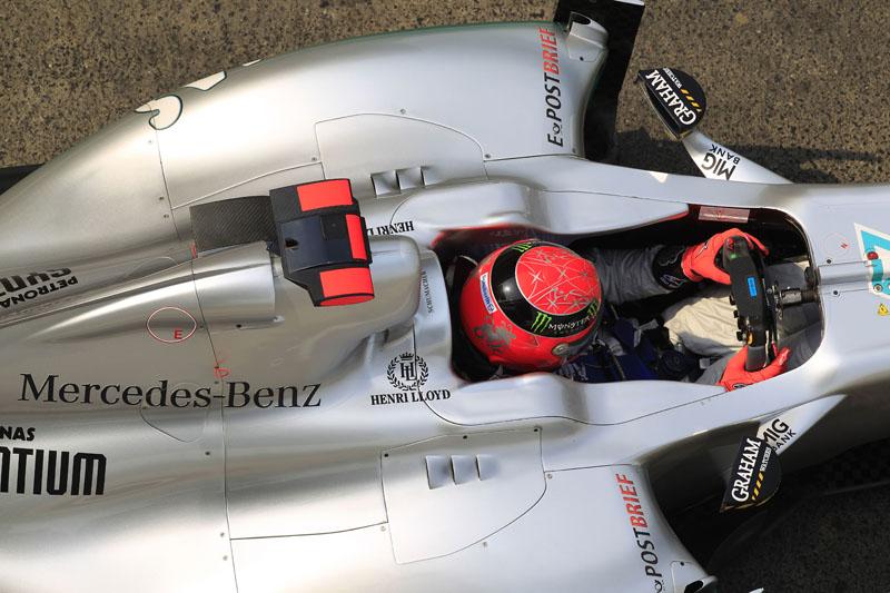 Schumacher ganha terreno nas largadas