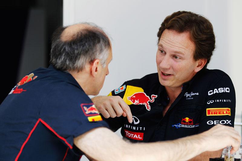 Horner conversa com o chefe da Toro Rosso, Franz Tost