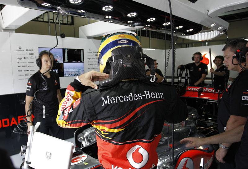 Hamilton acelera em Interlagos