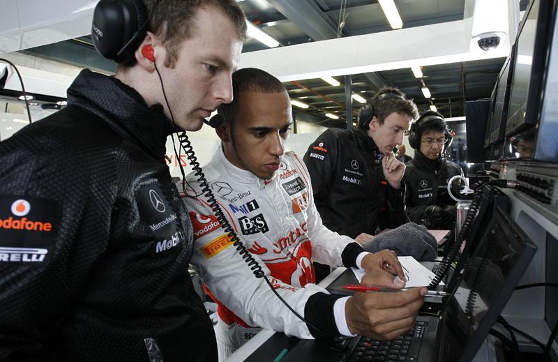 Hamilton acha que logo as Red Bull vão precisar do Kers