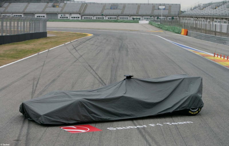 Carro da Sauber coberto