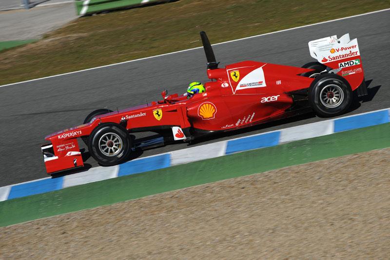 Ferrari apresentou uma das soluções mais extremas para os escapamentos