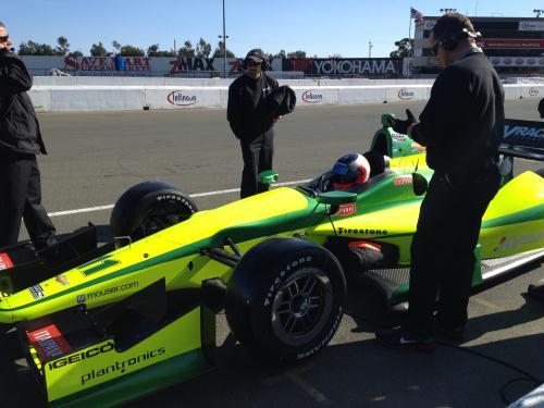 Barrichello pilota o carro da KV Racing na Califórnia