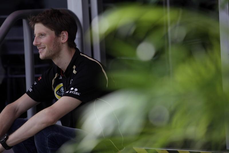 Grosjean faz sua estreia em Sepang