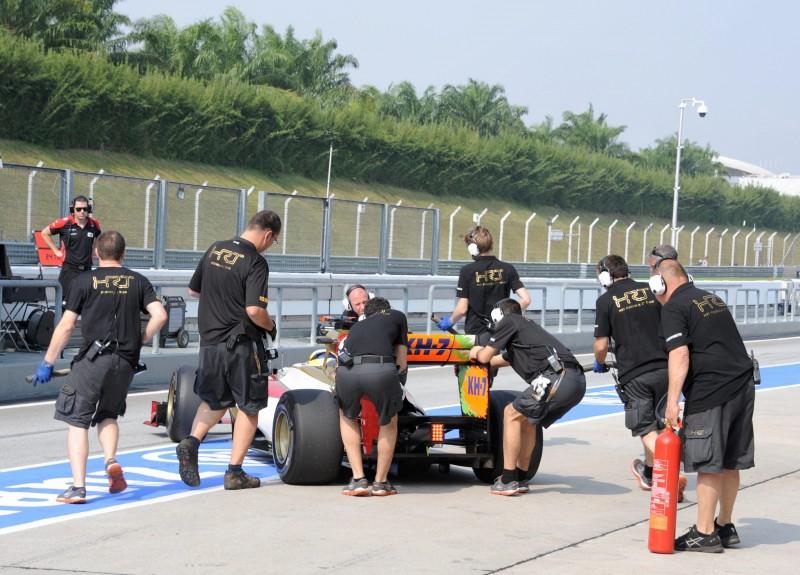 Equipe está no fundo do grid de 2012