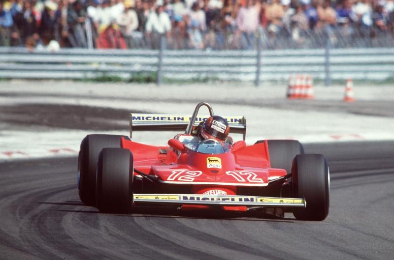 Gilles Villeneuve e sua marca registrada: as derrapagens controladas ao volante de uma Ferrari
