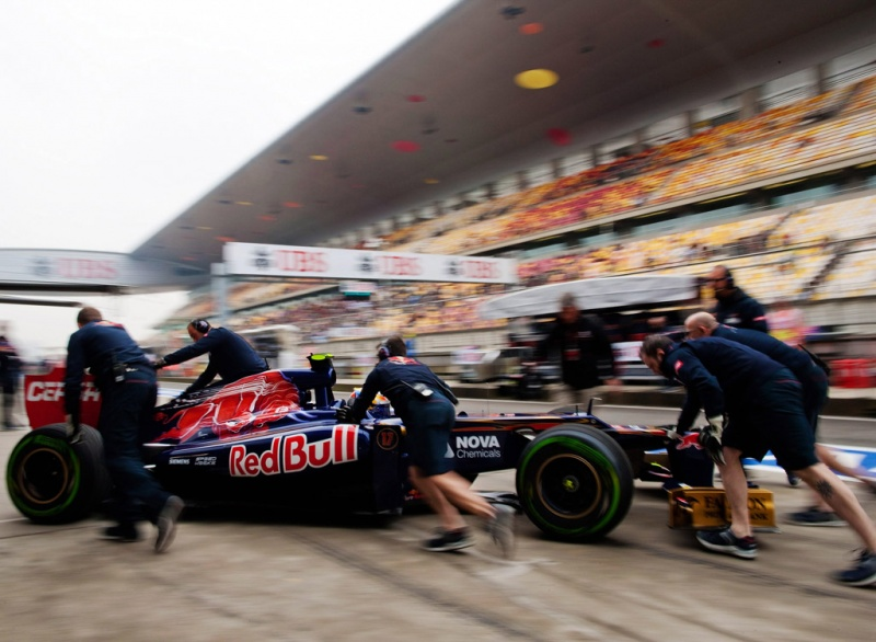 Toro Rosso colocou ambos os pilotos no Top-10 no FP1