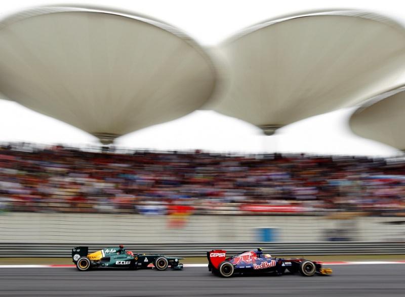 Toro Rosso andou próximo das Caterham na China