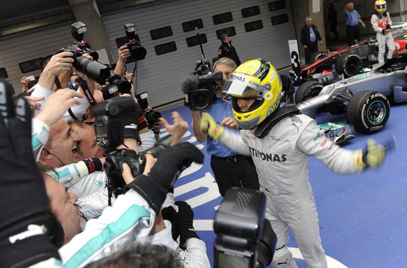Rosberg comemora vitória com a equipe