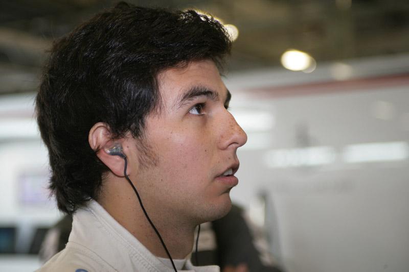 Perez ficou fora dos pontos na China
