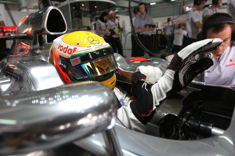 Hamilton terminou a sexta em quarto lugar