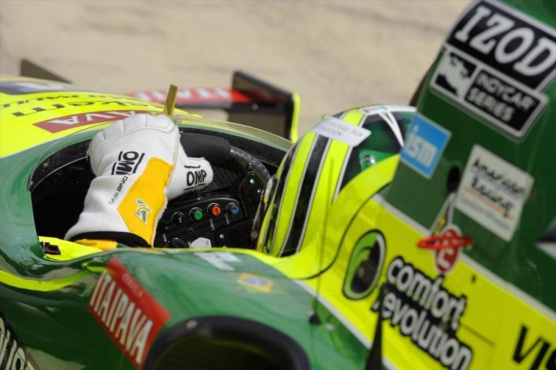 Volante do novo carro da Indy: pesado até nas retas, segundo pilotos