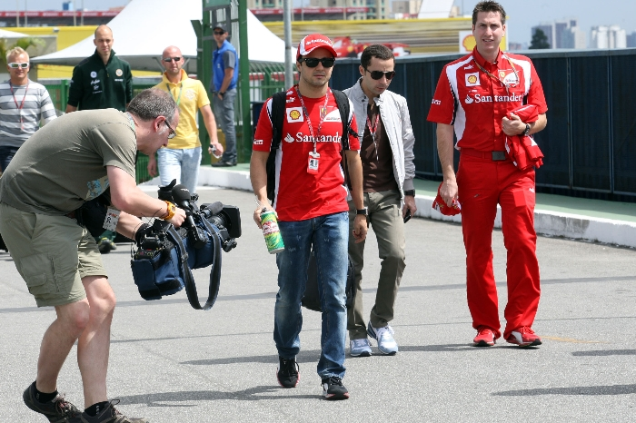Massa no paddock de Interlagos em 2011