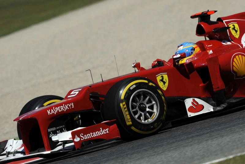 Alonso coloca Ferrari em terceiro