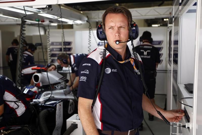 Sam Michael observa movimentação da Williams durante final de semana do GP da China