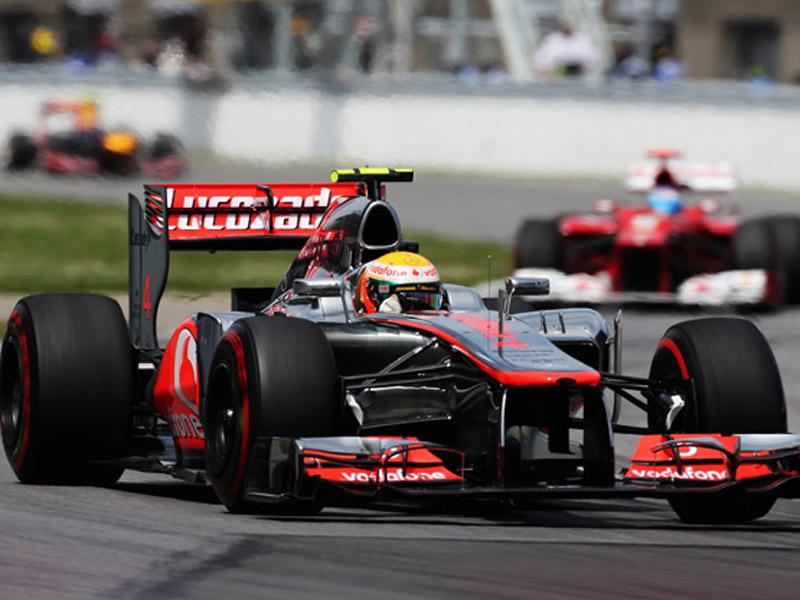 Hamilton, Alonso e Vettel andaram boa parte da prova juntos