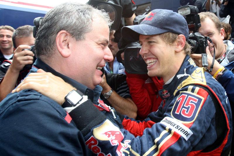 Ascanelli e Vettel, quando a Toro Rosso venceu em Monza/2008
