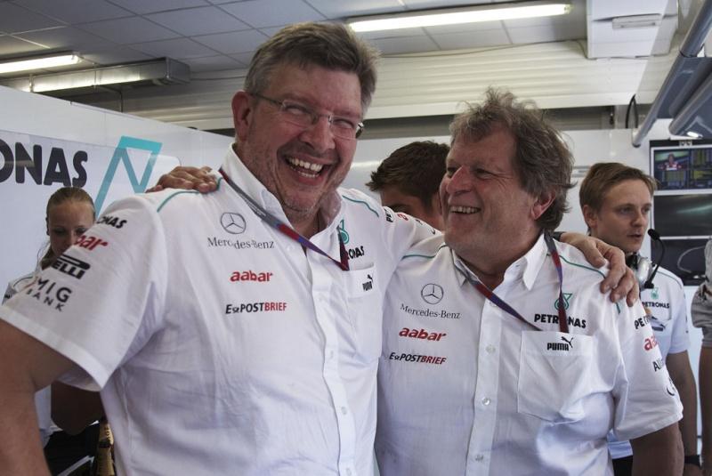 Brawn e Haug comemoram pódio de Schumacher